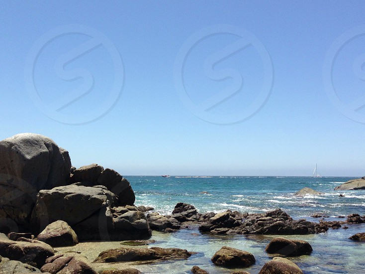 ocean and rocks view photo