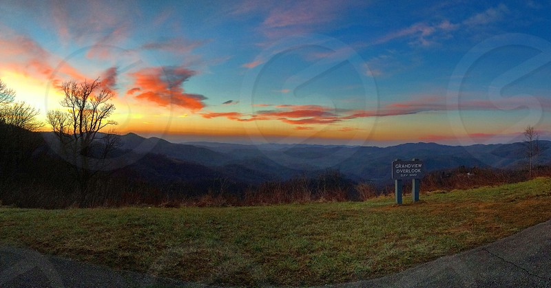 Sunrise blue ridge parkway mountains young love sunshine pretty colors adventure 5am morning drive relaxing peaceful beautiful photo