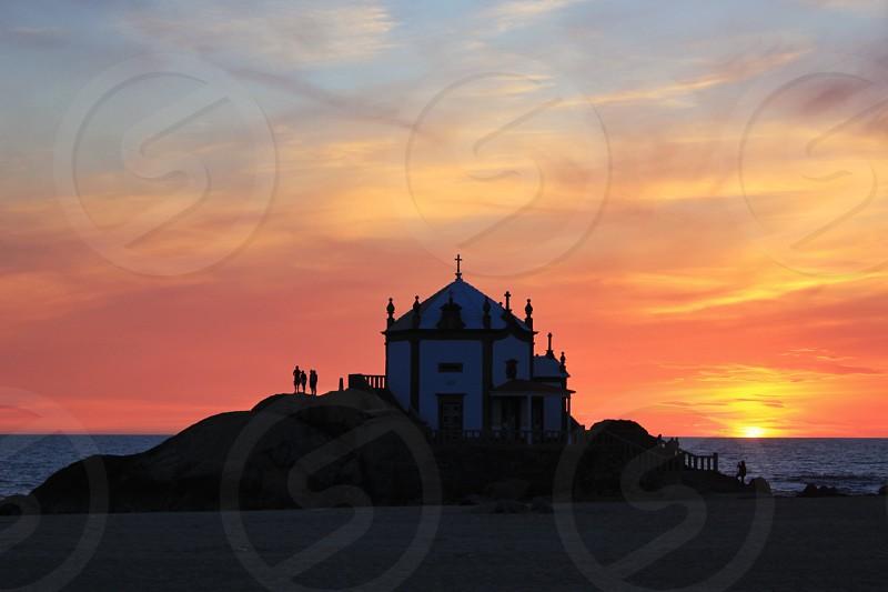 sunset horizon from the beach photo