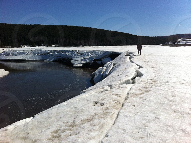 river ice crack photo