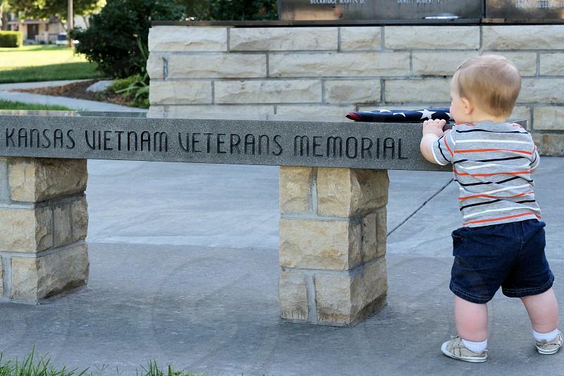 black kansas vietnamn veterans memorial bench photo