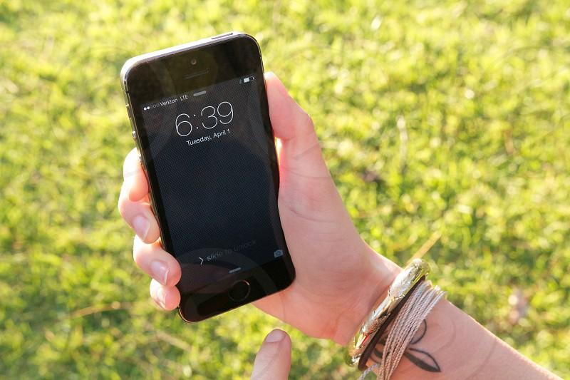 black apple iphone 6 photo