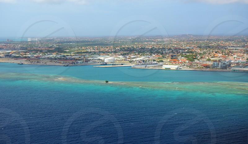 Geography of Aruba photo
