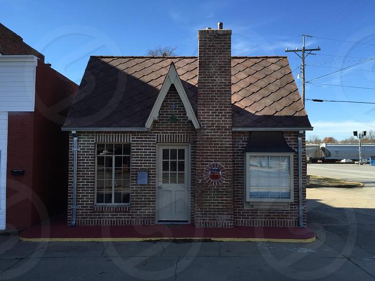 brown brick house photo