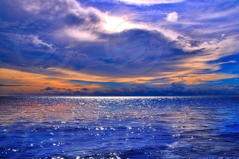 Oceaneveningskyseadramatic photo