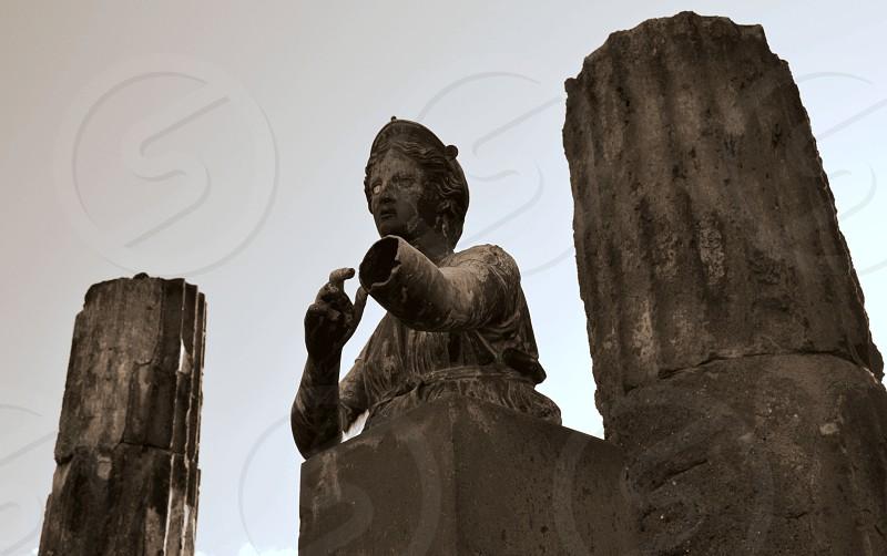 Pompeii ruins statue stone archeology photo