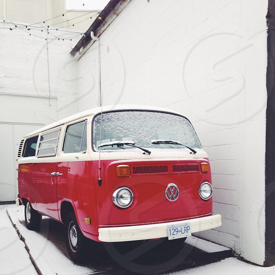 red and white volkswagon van photo