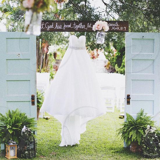 white sweetheart neckline dress photo