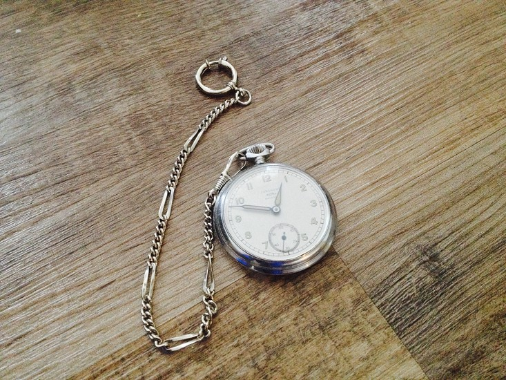 O'clock  photo