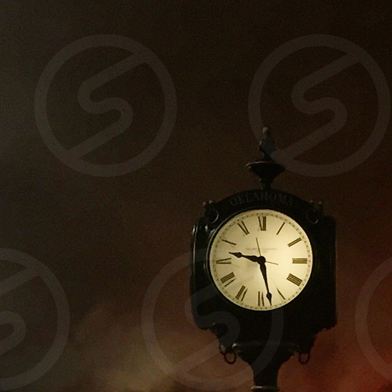 time is 9:30 photo