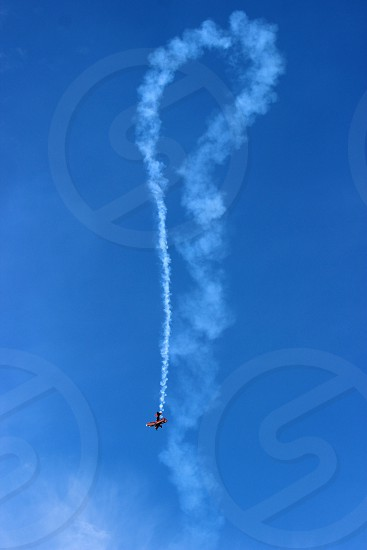 red plane show photo