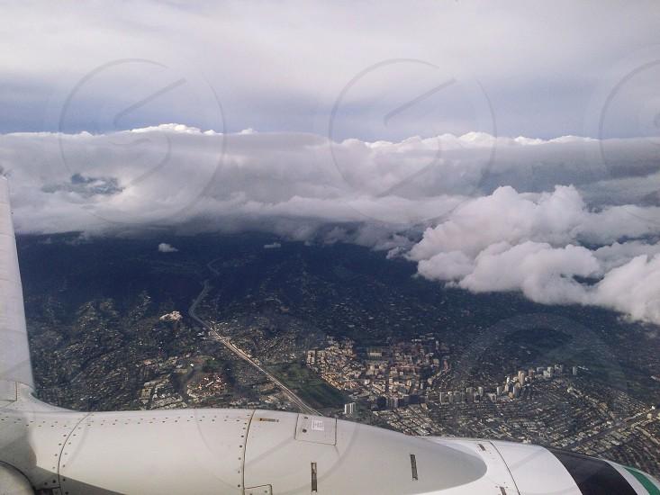 gray and white airplane photo