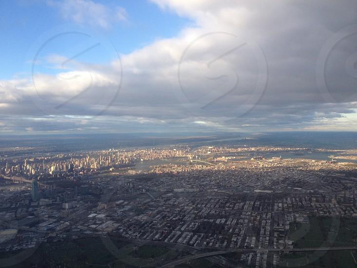newyorkcity nye shade cloudy bluesky flight passingover aerialview cityliving photo