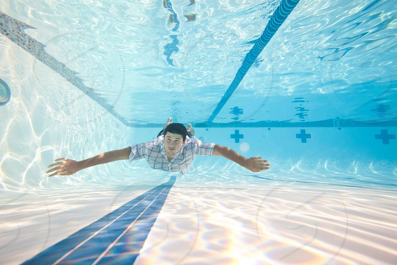 man underwater photogrpah photo