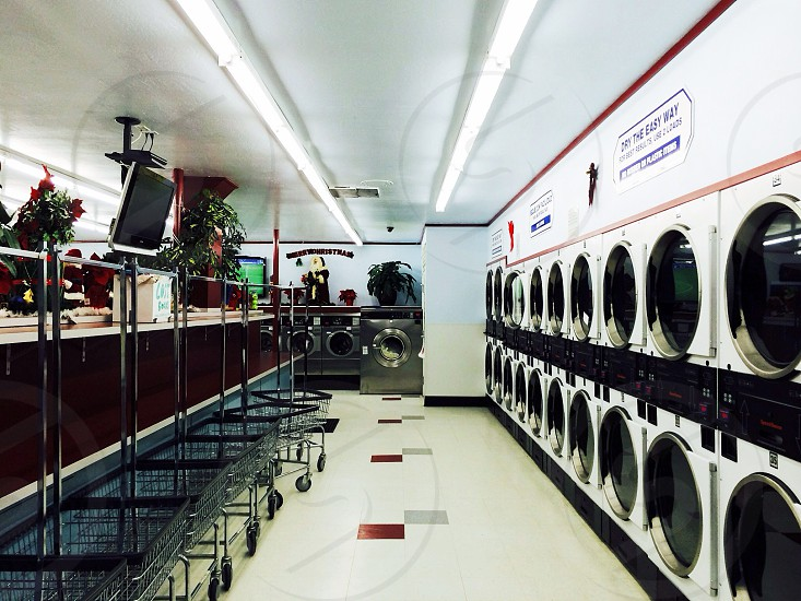 white frontload  washer  photo