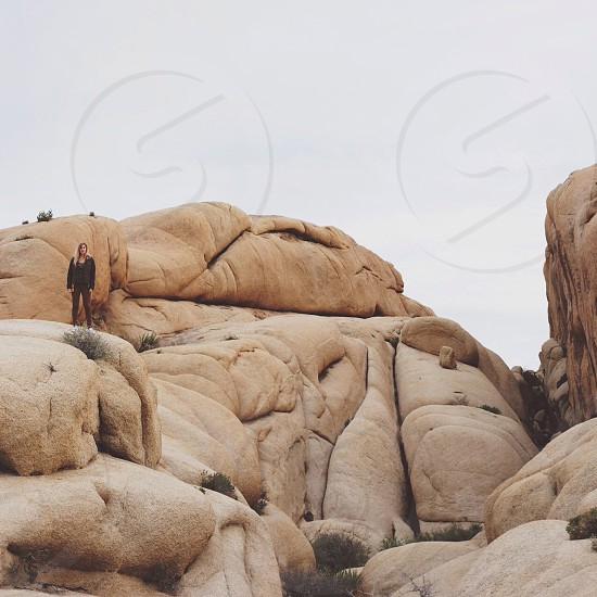 brown rock formation photo