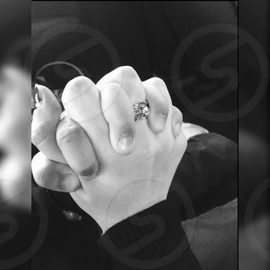 Love hands  mani intrecciate photo