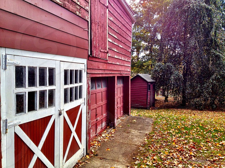 Red barn doors photo