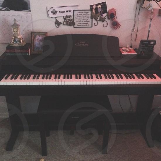 black electric piano photo