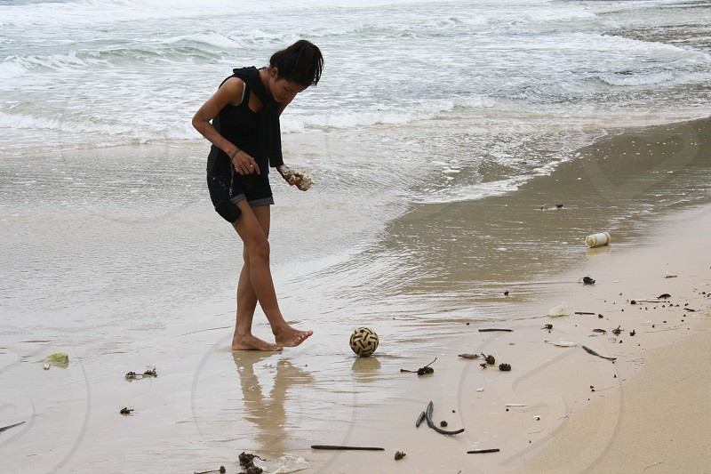 beach explore water shells in the moment travel photo
