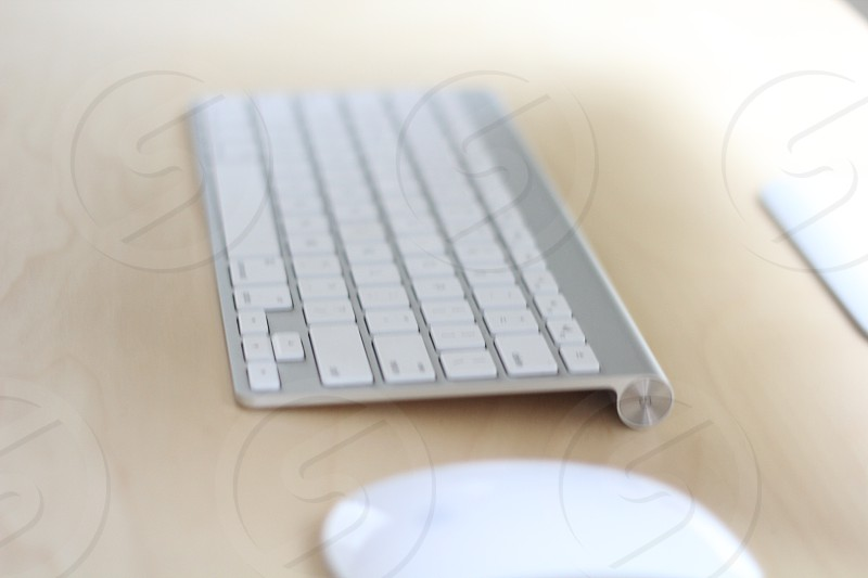 white wireless apple keyboard photo