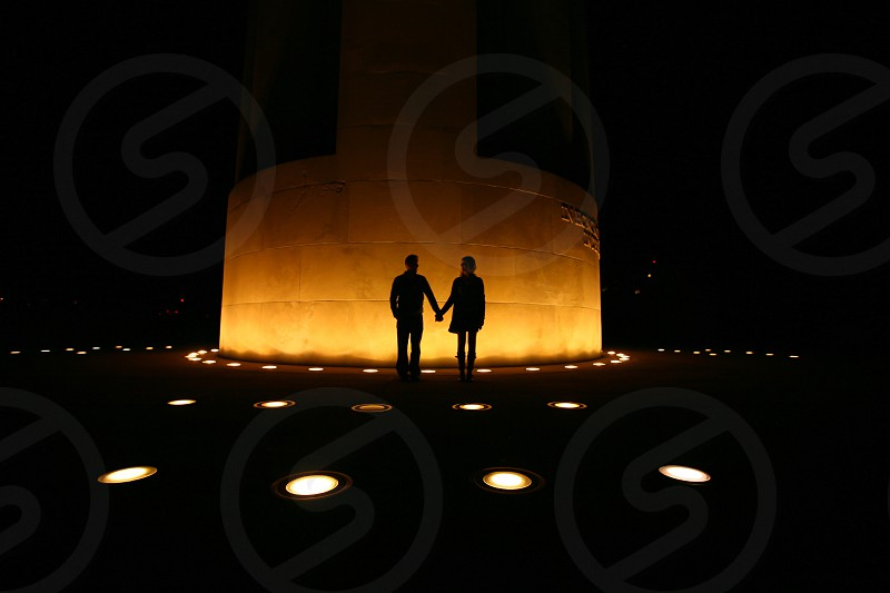 couple silhouette | liberty memorial kansas city photo