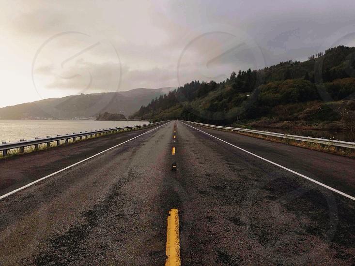gray concrete highway photo
