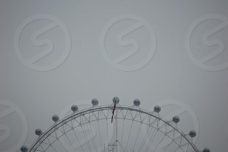 grey perish wheel photography photo