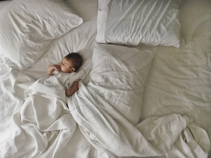 Infant bedtime bed sheets  photo