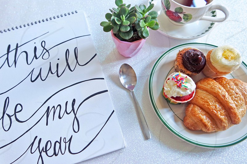 New year 2016 #note to self #motivation #quote #quote of the day #newyears #2016 #inspiration #new beginnings #fresh start #cupcakes  photo
