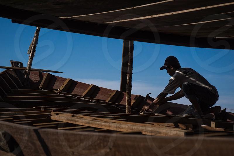 the boat maker South Borneo - Indonesia photo