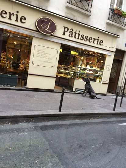 Patisserie storefront photo