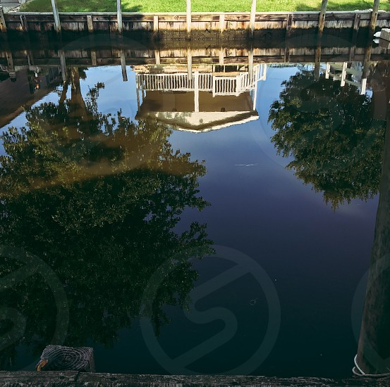 Lake canal reflection home house morning water  photo