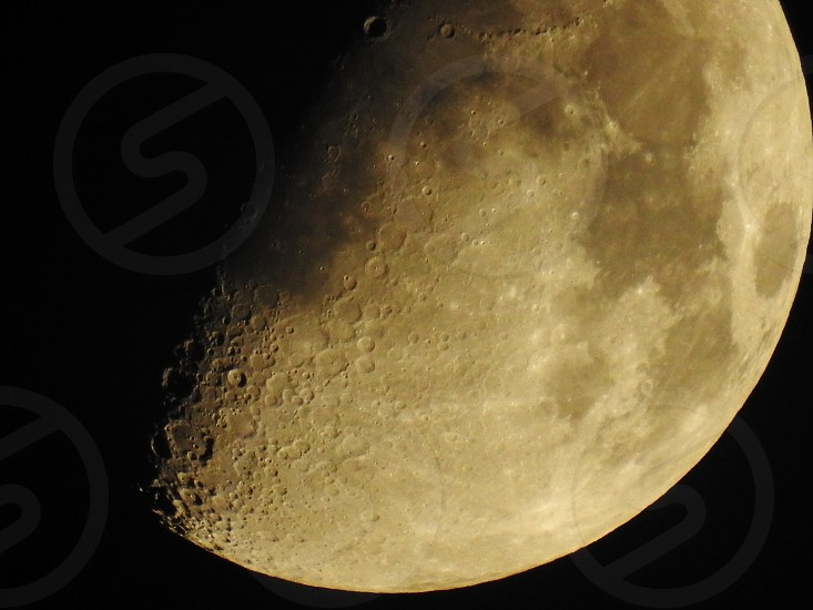 Moon super zoom photo