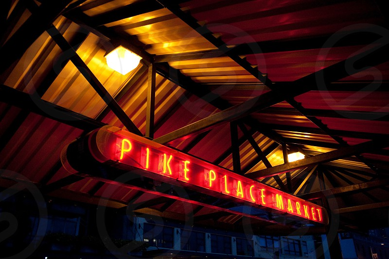 pike place market signage photo