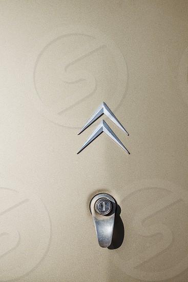 citroen logo above key slot photo