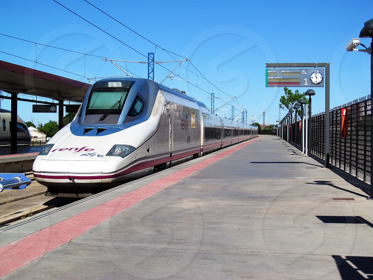 Tren de Alta Velocidad en España photo