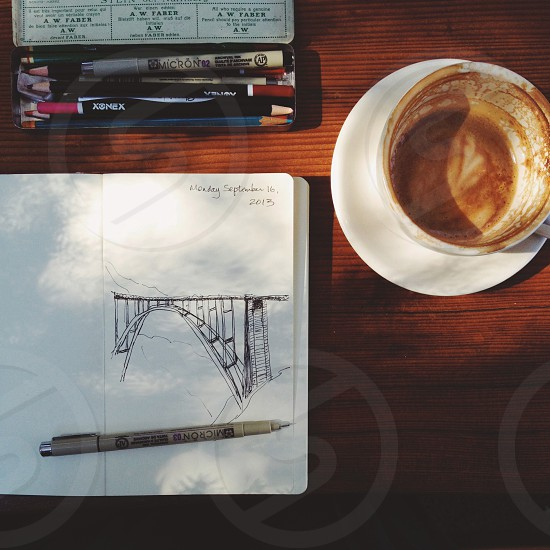 white ceramic tea cup photo