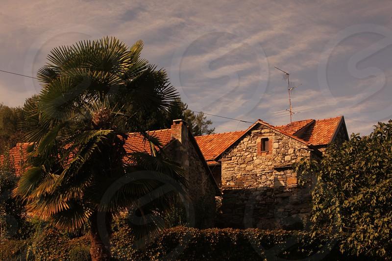 Die Altstadt des traditionellen Fischerdorf Arola am Ortasee in norden des Piemont im norden von Italien.  (Urs Flueeler) photo