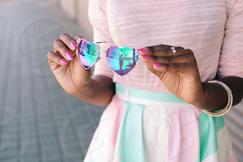 love cute heart shape glasses girl fashion pink hearts nails fashionista hipster in style style lady teen photo