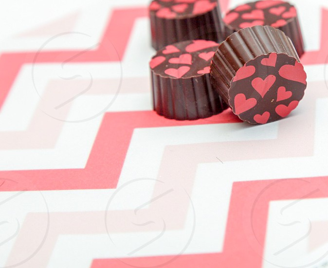 Valentines; candy; chocolate; hearts; pink; red photo