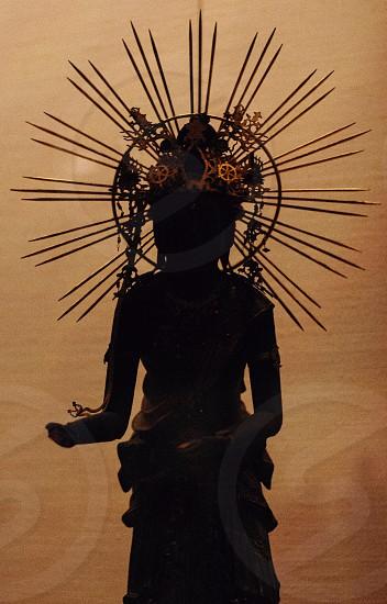 black statue photo