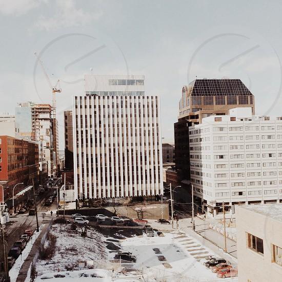 white 10 storey building photo