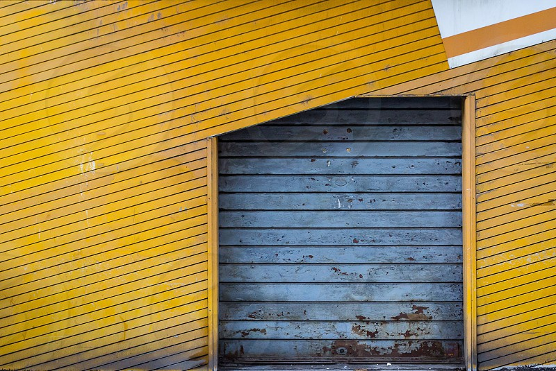 gray and yellow painted roof photo