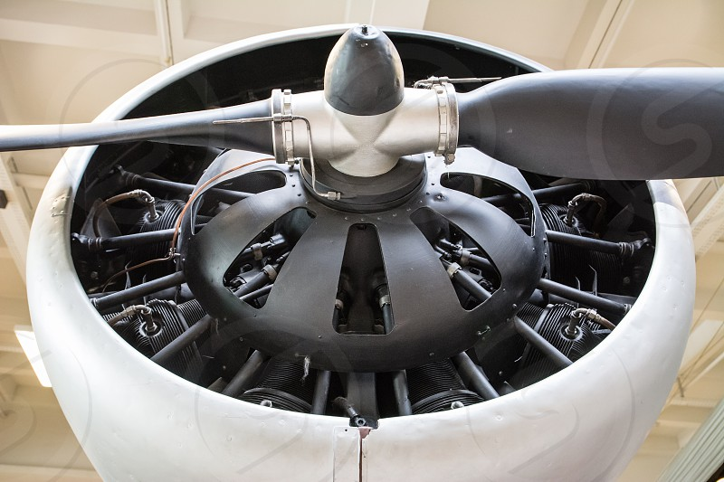 white and gray propellor photo