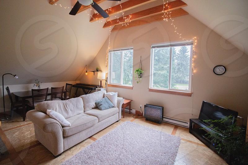 House rented decor photo
