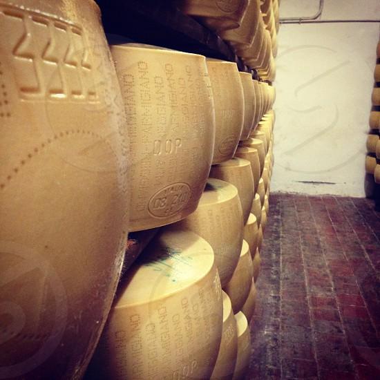 beige barrel photo