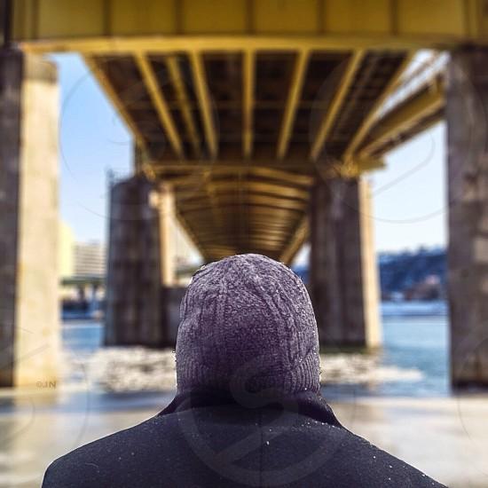 men's gray knit toque photo