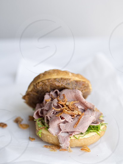 Roast beef bagel fresh snacks snacking bread sandwich cafe food  photo