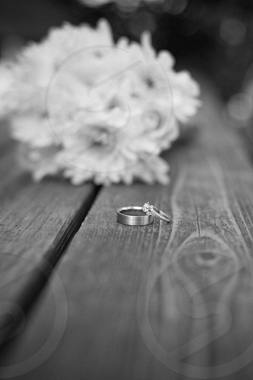 silver wedding rings photo